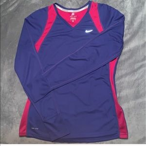 Nike dry fit running shirt size M 🥰